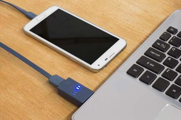 Hướng dẫn chữa điện thoại sạc không vào pin - Không nên sạc pin điện thoại bằng cổng USB