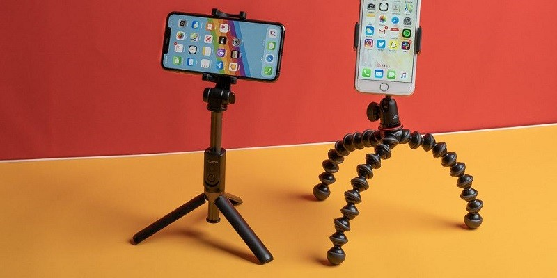 Mini tripod được thiết kế cho điện thoại